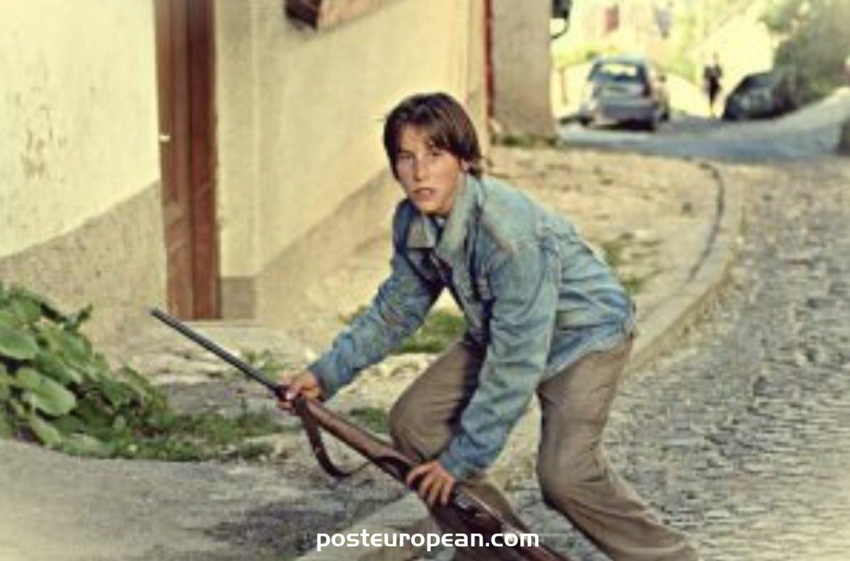 您知道波斯尼亞最佳網球運動員達米爾·祖姆胡(Damir Dzumhur)曾在電影中飾演過嗎?