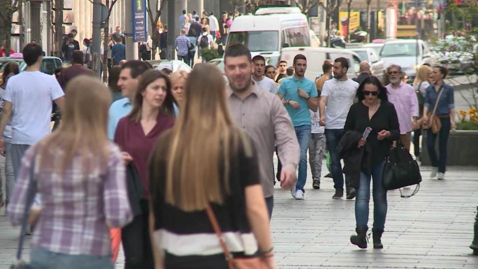 塞爾維亞人口降至700萬以下